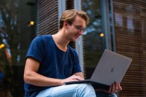 Lähetä kuva 3 innovatiivista opiskeluvinkkiä korkeakouluopiskelijoille Hyödynnä Intranet Internetyhteistyötä 300x200 - Lähetä-kuva---3-innovatiivista-opiskeluvinkkiä-korkeakouluopiskelijoille----Hyödynnä-Intranet-Internetyhteistyötä