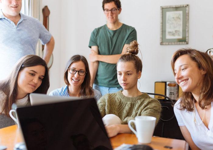 Lähetä kuva Yliopiston internetin Virtuaaliset opintomatkat - Yliopiston internetin 3 parasta etua opiskelijoille